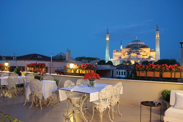 Istanbul celal sultan hotel hotel celal sultan istanbul for What is a hotel terrace